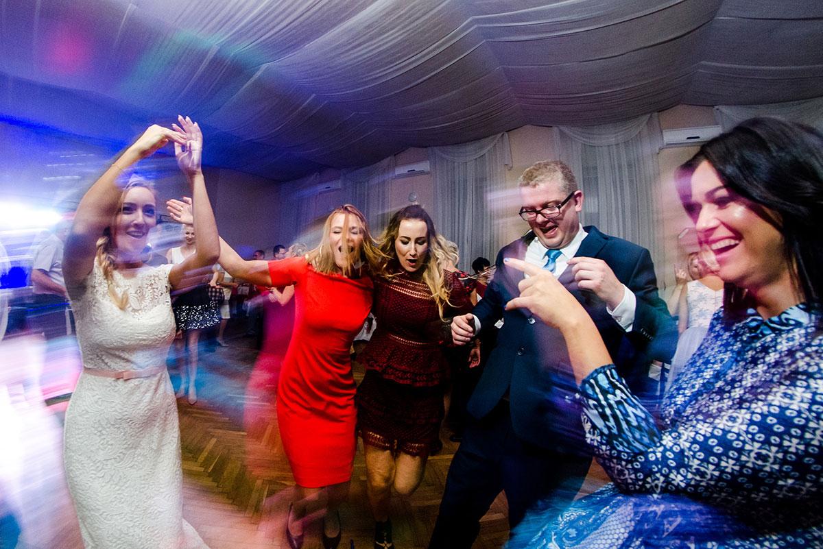 zabawy weselna, fotografia ślubna
